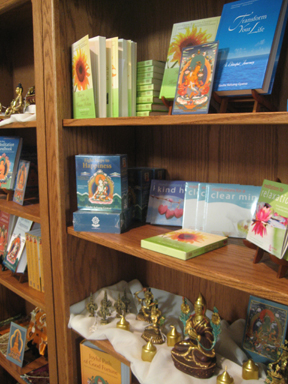 Bookstore shelves, Buddhism, books, meditation, Tharpa, Tharpa publications, Geshe Kelsang Gyatso, cds, audiobooks, guided meditation